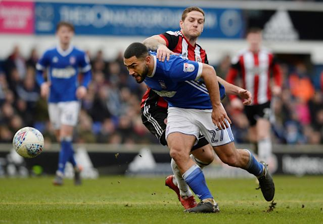 "Soccer Football - Championship - Ipswich Town vs Sheffield United - Portman Road, Ipswich, Britain - March 10, 2018 Ipswich's Cameron Carter-Vickers in action with Sheffield United's Billy Sharp Action Images/Alan Walter EDITORIAL USE ONLY. No use with unauthorized audio, video, data, fixture lists, club/league logos or ""live"" services. Online in-match use limited to 75 images, no video emulation. No use in betting, games or single club/league/player publications. Please contact your account representative for further details."