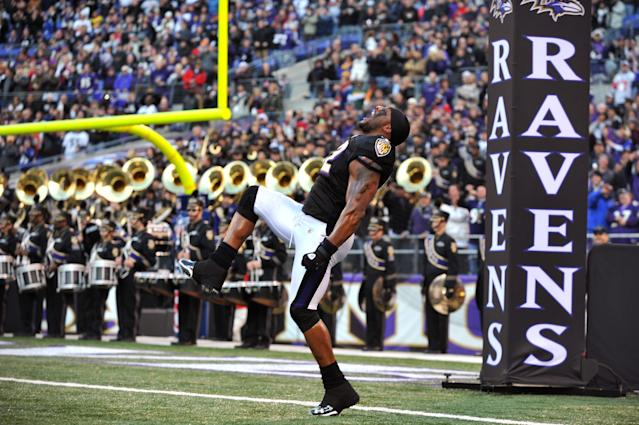 BALTIMORE, MD - NOVEMBER 28: Ray Lewis #52 of the Baltimore Ravens is introduced before the game against the Tampa Bay Buccaneers at M&T Bank Stadium on November 28, 2010 in Baltimore, Maryland. The Ravens defeated the Buccaneers 17-10. (Photo by Larry French/Getty Images)