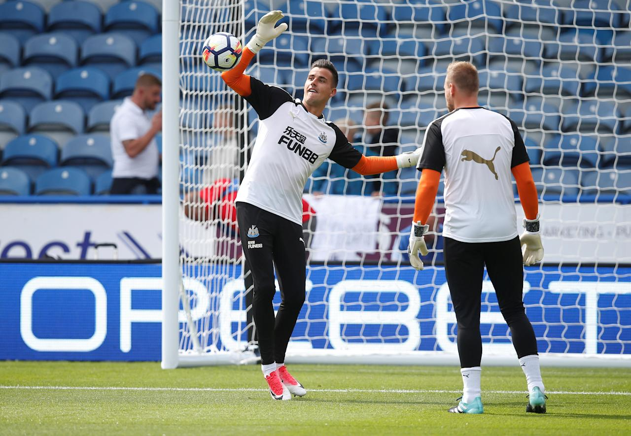 "Soccer Football - Premier League - Huddersfield Town vs Newcastle United - Huddersfield, Britain - August 20, 2017   Newcastle's Karl Darlow warms up before the match   REUTERS/Andrew Yates     EDITORIAL USE ONLY. No use with unauthorized audio, video, data, fixture lists, club/league logos or ""live"" services. Online in-match use limited to 45 images, no video emulation. No use in betting, games or single club/league/player publications. Please contact your account representative for further details."