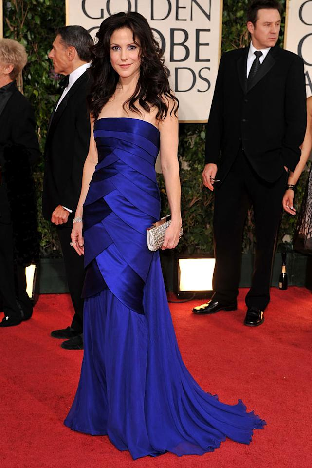 "Mary-Louise Parker's unfortunate hairstyle made her blue dress look even more dull. Steve Granitz/<a href=""http://www.wireimage.com"" target=""new"">WireImage.com</a> - January 11, 2009"