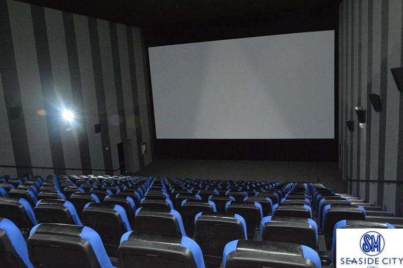Labella, malls hold talks to reopen movie theaters