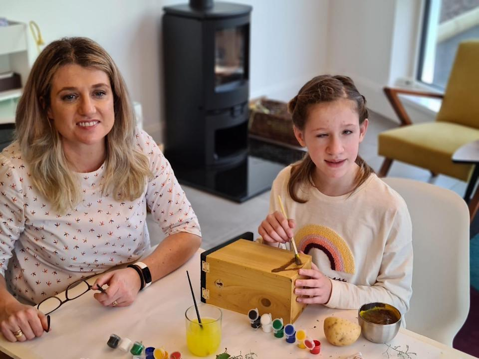 Michelle Bateson and 10-year-old daughter, Elodie, joined the craft session (RNIB)
