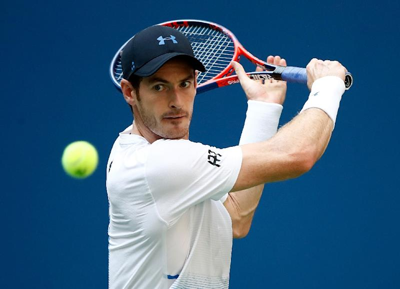 Murray advances in Shenzhen; Wozniacki wins in Wuhan