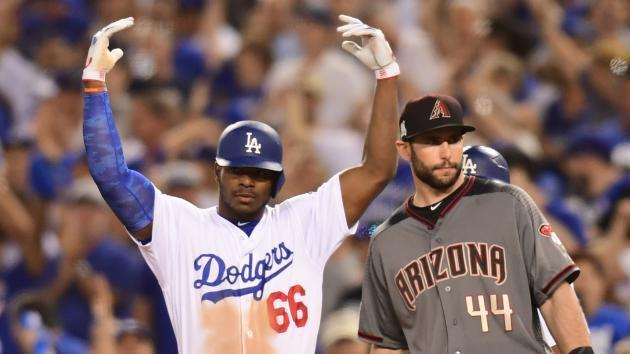 Dodgers take control, Nationals level series