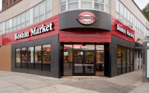 """<p>You might as well call this restaurant chain """"Thanksgiving Market,"""" because it's pulling out all the holiday stops. Nearly all locations will be open and serving up a full Thanksgiving meal, though menu selections and hours may vary.</p><p><strong><a href=""""https://www.bostonmarket.com/location/search"""" rel=""""nofollow noopener"""" target=""""_blank"""" data-ylk=""""slk:Find a location"""" class=""""link rapid-noclick-resp"""">Find a location</a>.</strong></p>"""