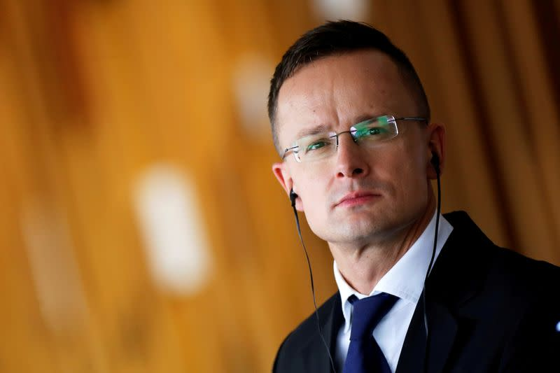 Hungary foreign minister: vacation on tycoon's yacht is 'my private life'