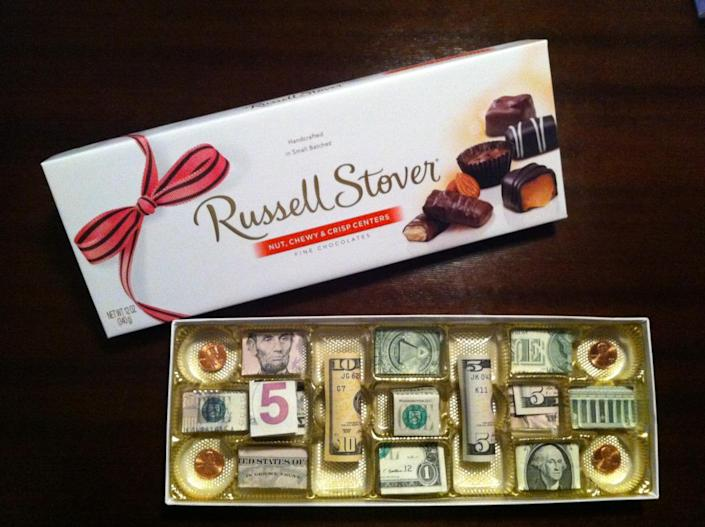 """<p>You really never know what you're going to get. This little variety pack is a fun and surprising way to say, """"Don't spend it all in one place."""" Throw in some pretty silver dollars, and you might have to remind people the money isn't edible. <i>(Photo: Deena Rogers via <a href=""""https://www.pinterest.com/ddr2762/crafty-crafts/"""" rel=""""nofollow noopener"""" target=""""_blank"""" data-ylk=""""slk:Pinterest"""" class=""""link rapid-noclick-resp"""">Pinterest</a>)</i></p>"""