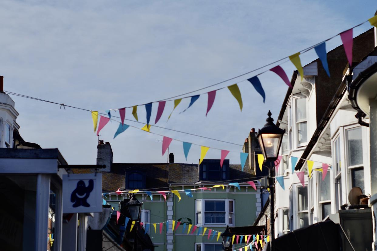 A quiet sunny day in Brighton's North Laines. Captured September 14, 2020. Brighton is a constituent part of the city of Brighton and Hove, a former town situated on the southern coast of England, in the county of East Sussex. It is best known as a seaside resort and is positioned 47 miles south of London.