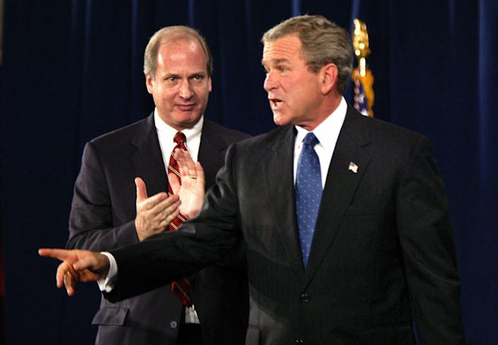 Vin Weber, the former congressman turned lobbyist, pictured with President George W. Bush at the 20th anniversary of the National Endowment for Democracy held at the U.S. Chamber of Commerce. (Photo: Brooks Kraft via Getty Images)