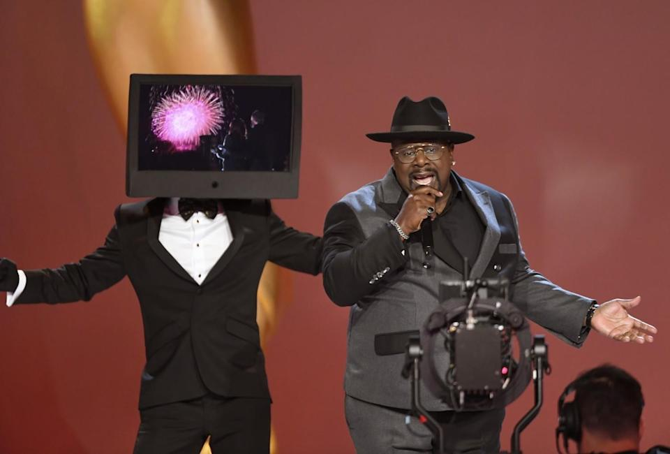 Cedric the Entertainer performs on stage at the 73rd Emmy Awards.