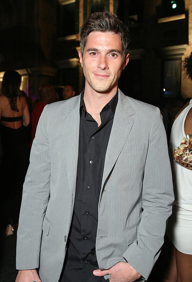 "The delicious Dave Annable (""Brothers & Sisters"") keeps it cute in a simple gray suit and unbuttoned black shirt. Alexandra Wyman/<a href=""http://www.wireimage.com"" target=""new"">WireImage.com</a> - May 21, 2008"