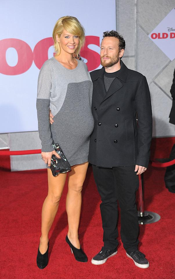 """<a href=""""http://movies.yahoo.com/movie/contributor/1800018910"""">Jenna Elfman</a> and <a href=""""http://movies.yahoo.com/movie/contributor/1800209752"""">Bodhi Elfman</a> at the Los Angeles premiere of <a href=""""http://movies.yahoo.com/movie/1809918087/info"""">Old Dogs</a> - 11/09/2009"""