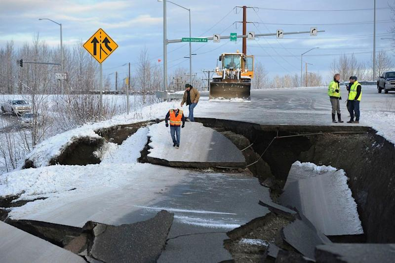 Minnesota Drive Expressway in Anchorage