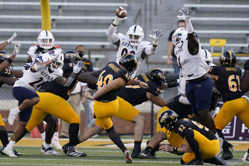 Southern Mississippi place kicker Briggs Bourgeois (40) kicks a field goal against UTSA during the second half of an NCAA college football game, Saturday, Nov. 21, 2020, in Hattiesburg, Miss. UTSA won 23-20. (AP Photo/Rogelio V. Solis)