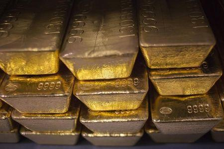Gold gains in Asia