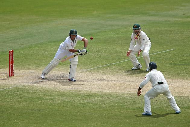 AB de Villiers of South Africa bats during day five of the Second Test Match between Australia and South Africa at Adelaide Oval on November 26, 2012 in Adelaide, Australia.  (Photo by Morne de Klerk/Getty Images)