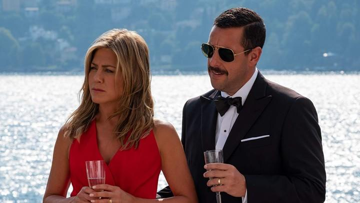 Aniston and Sandler in Murder Mystery (Credit: Netflix)