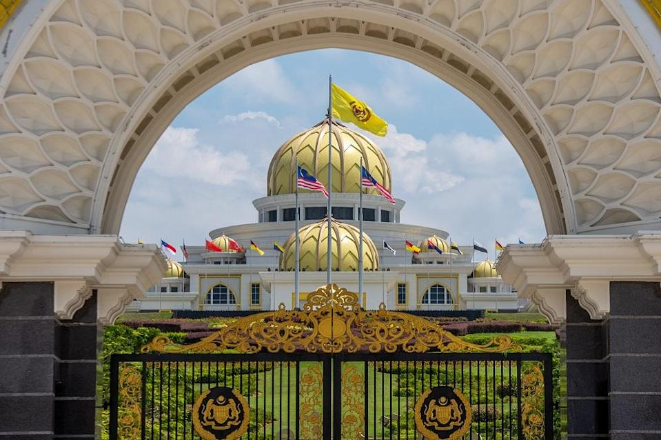 A letter purportedly from the Agong, Al-Sultan Abdullah Ri'ayatuddin Al-Mustafa Billah Shah, to Prime Minister Tan Sri Muhyiddin Yassin earlier this week regarding the revocation of the Emergency Ordinances was leaked online. — Picture by Shafwan Zaidon