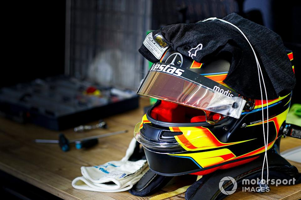 "Casco de Stoffel Vandoorne, Mercedes Benz EQ<span class=""copyright"">Alastair Staley / Motorsport Images</span>"