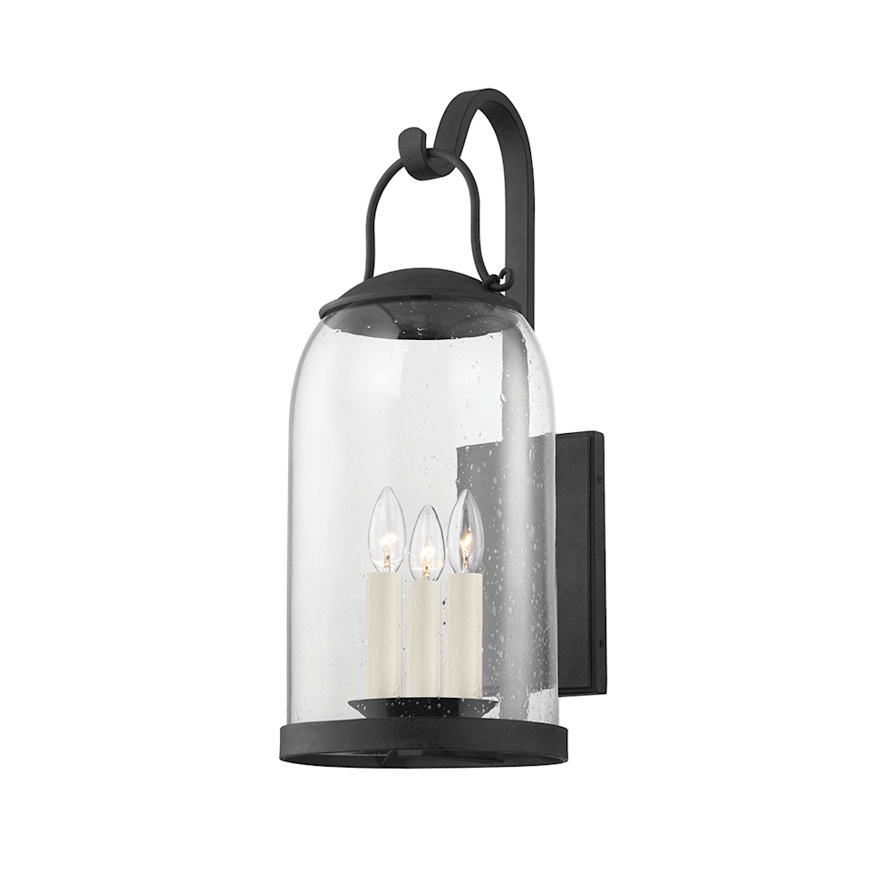 """<p>For his first outdoor lighting collection, with <a href=""""https://troylighting.hvlgroup.com/"""" rel=""""nofollow noopener"""" target=""""_blank"""" data-ylk=""""slk:Troy Lighting"""" class=""""link rapid-noclick-resp"""">Troy Lighting</a>, ELLE DECOR A-List designer <a href=""""https://markdsikes.com/"""" rel=""""nofollow noopener"""" target=""""_blank"""" data-ylk=""""slk:Mark D. Sikes"""" class=""""link rapid-noclick-resp"""">Mark D. Sikes</a> looked to his home state of California for inspiration. From Napa to Santa Barbara to Monterey, Sikes celebrates the effortless outdoor lifestyle for which the Golden State is famous. </p>"""
