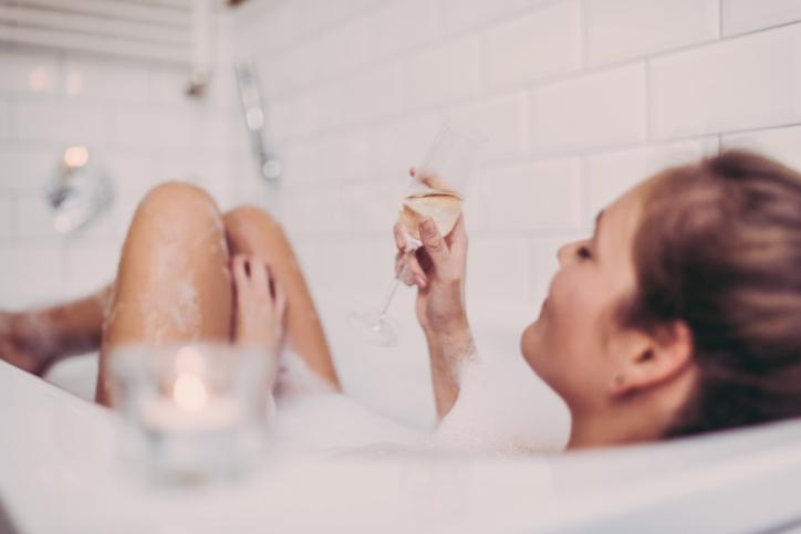 Just you, a bath and a glass of sparkling wine. [Photo credit: Guido Mieth | Getty Images]