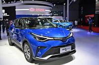 The world's biggest automaker expects 10 percent of European sales to be vehicles powered by electricity or hydrogen by 2025