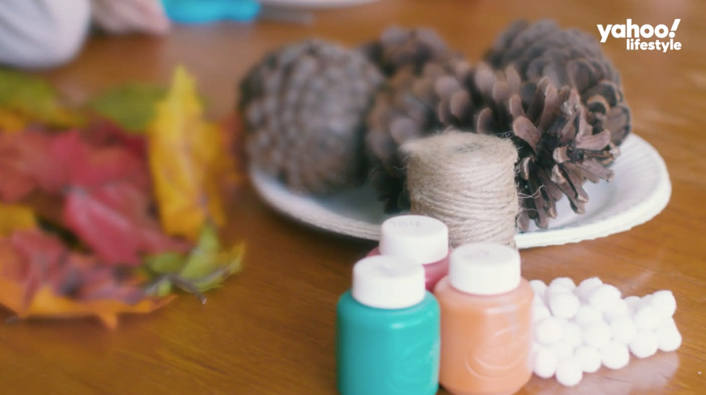The great outdoors provides a wealth of resources for making easy crafts with kids. (Photo: Yahoo Lifestyle)