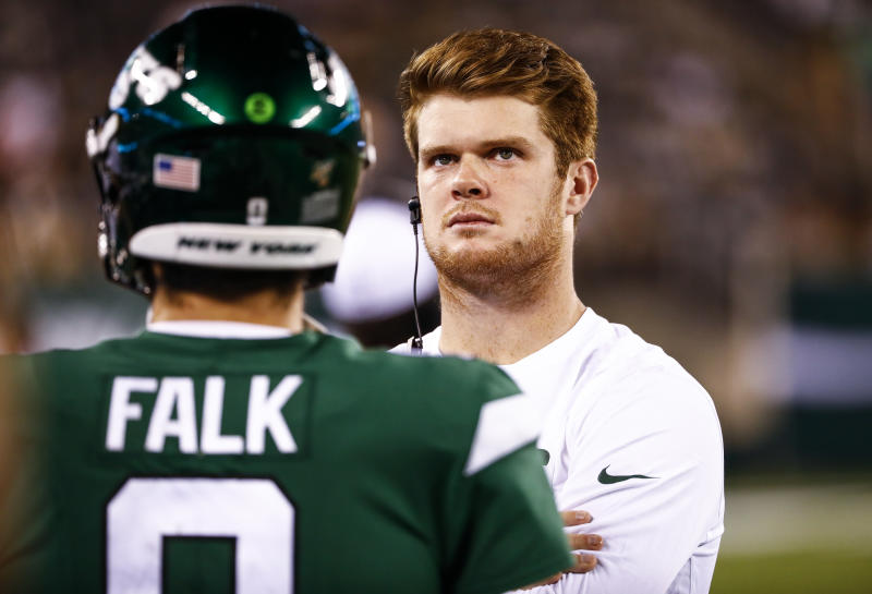 EAST RUTHERFORD, NJ - AUGUST 29: Sam Darnold's imminent return led to the Jets cutting Luke Falk. (Getty)