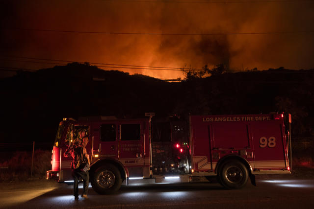 <p>A wildfire burns in La Tuna Canyon in Los Angeles, Calif., on Sept. 1, 2017. (Photo: Ronen Tivony/NurPhoto via Getty Images) </p>