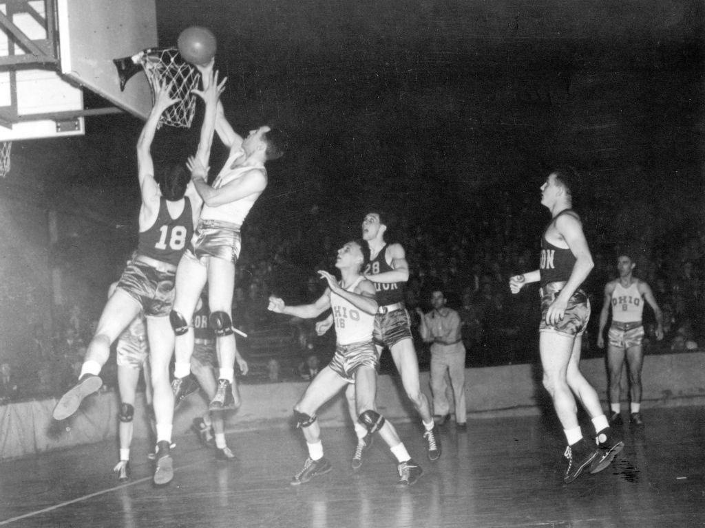 <p>The tournament began back in 1939 as a Division I men's college basketball tournament on suggestion of Ohio State University coach Harold Olsen. The first team to take home the NCAA championship was the University of Oregon, who beat Ohio 46-33. </p>
