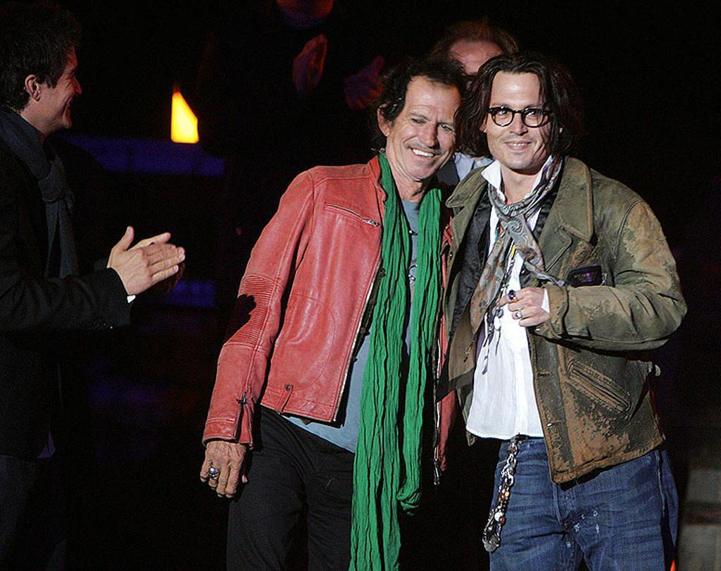 """Keith Richards and Johnny Depp at the """"Pirates of the Caribbean: At World's End"""" premiere. Eric Charbonneau/<a href=""""http://www.wireimage.com"""" target=""""new"""">WireImage.com</a> - May 19, 2007"""