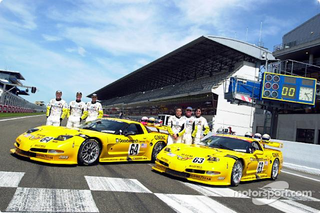 "2001: Corvette Racing and the C5-R: Ron Fellows, Johnny O'Connell, Scott Pruett, Franck Freon, Andy Pilgrim and Kelly Collins <span class=""copyright"">General Motors</span>"