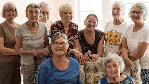 PHOTO: The Egg Heads Book Club in Long Beach, California, has met for over six decades. (Louise Soe)