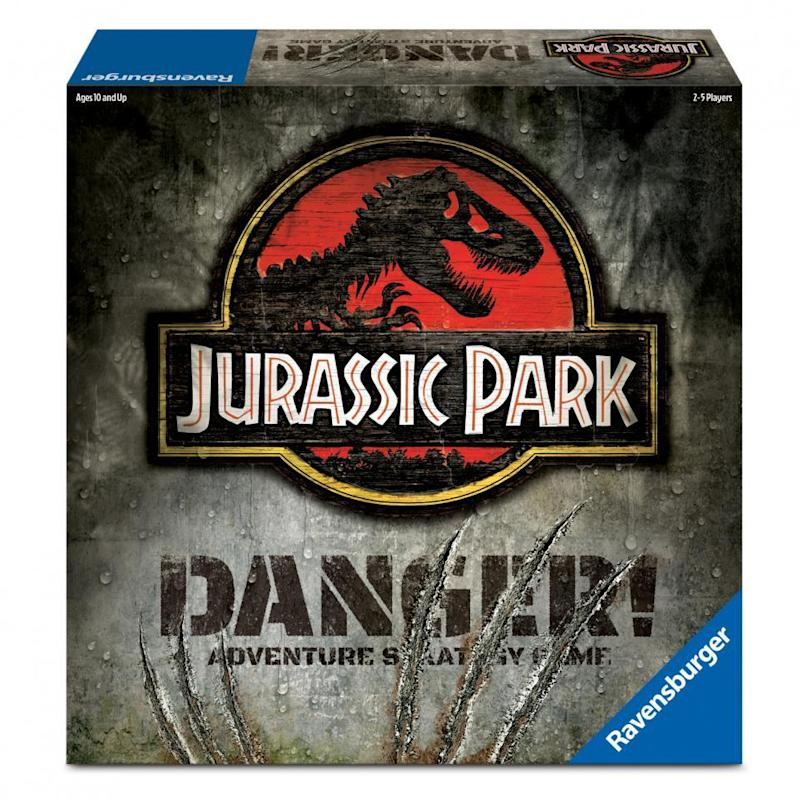 jurassic-park-danger-board-game-box