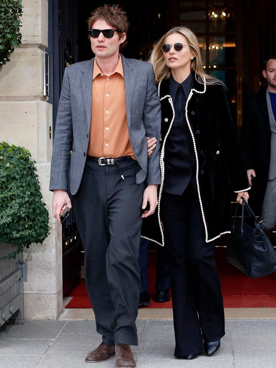 """<h1 class=""""title"""">February 28: Kate Moss and Nikolai von Bismarck</h1> <div class=""""caption""""> To paraphrase Kate Moss, nothing tastes as good as this fit feels. </div> <cite class=""""credit"""">NurPhoto</cite>"""