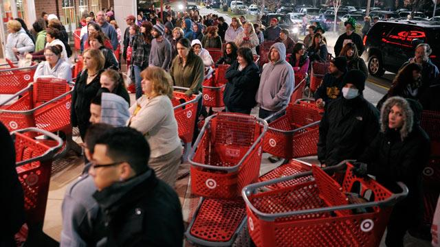 4 Ways to Take Advantage of Staggered Black Friday Deals
