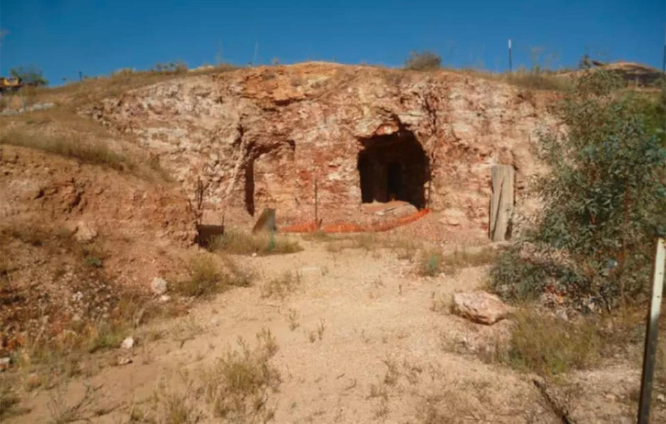 """A """"partially developed"""" powered cave in outback NSW has come on the property market with a $14,000 price tag. Source: Gumtree"""