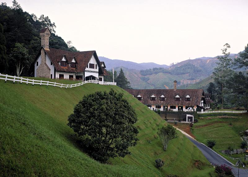 "After the disastrous encounter with his mother and grandmother in the Cameron Highlands, Nick books Rachel a room at <a href=""http://lakehouse-cameron.com/"" target=""_blank"" rel=""noopener noreferrer"">The Lakehouse</a>, a Tudor-style hotel in the ""Valley of Eternal Spring."""