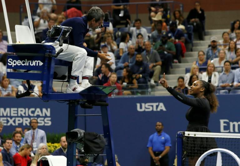 Serena Williams argues with umpire Carlos Ramos during her US Open final defeat