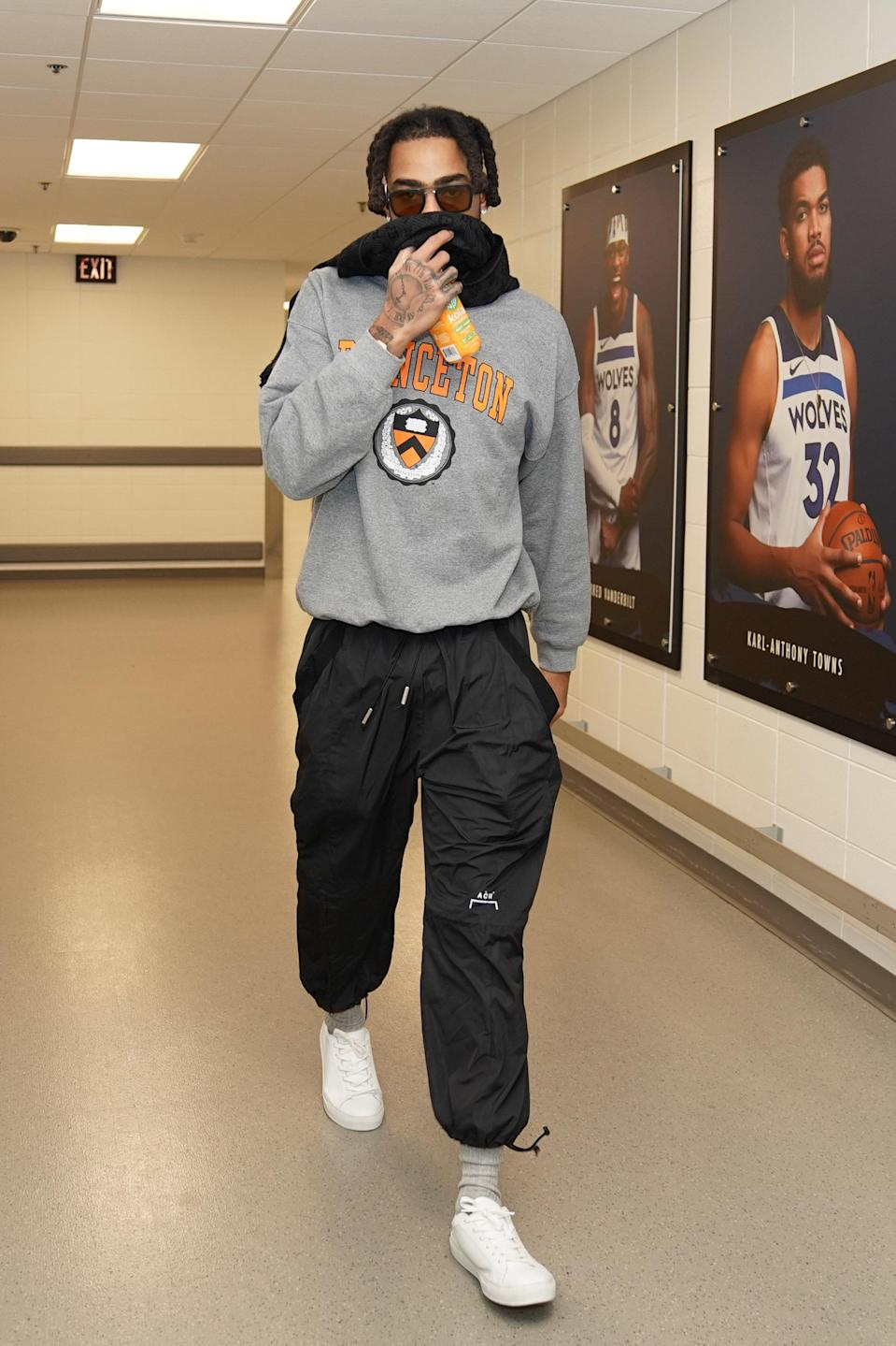 D'Angelo Russell of the Minnesota Timberwolves arrives to a game against the Denver Nuggets in Minneapolis, January 3, 2021.