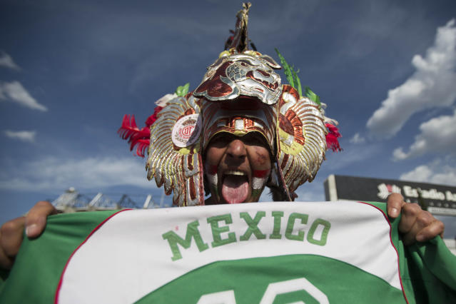 MEXICO CITY, MEXICO - AUGUST 15: A fan of Mexico arrives at the stadium before a match against the United States during a FIFA friendly match between Mexico and US at Azteca Stadium on August 15, 2012 in Mexico City, Mexico. (Photo by Miguel Tovar/Getty Images)