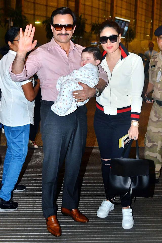 Saif Ali Khan and Kareena Kapoor with their son Taimur at Mumbai airport. (Image: Yogen Shah)