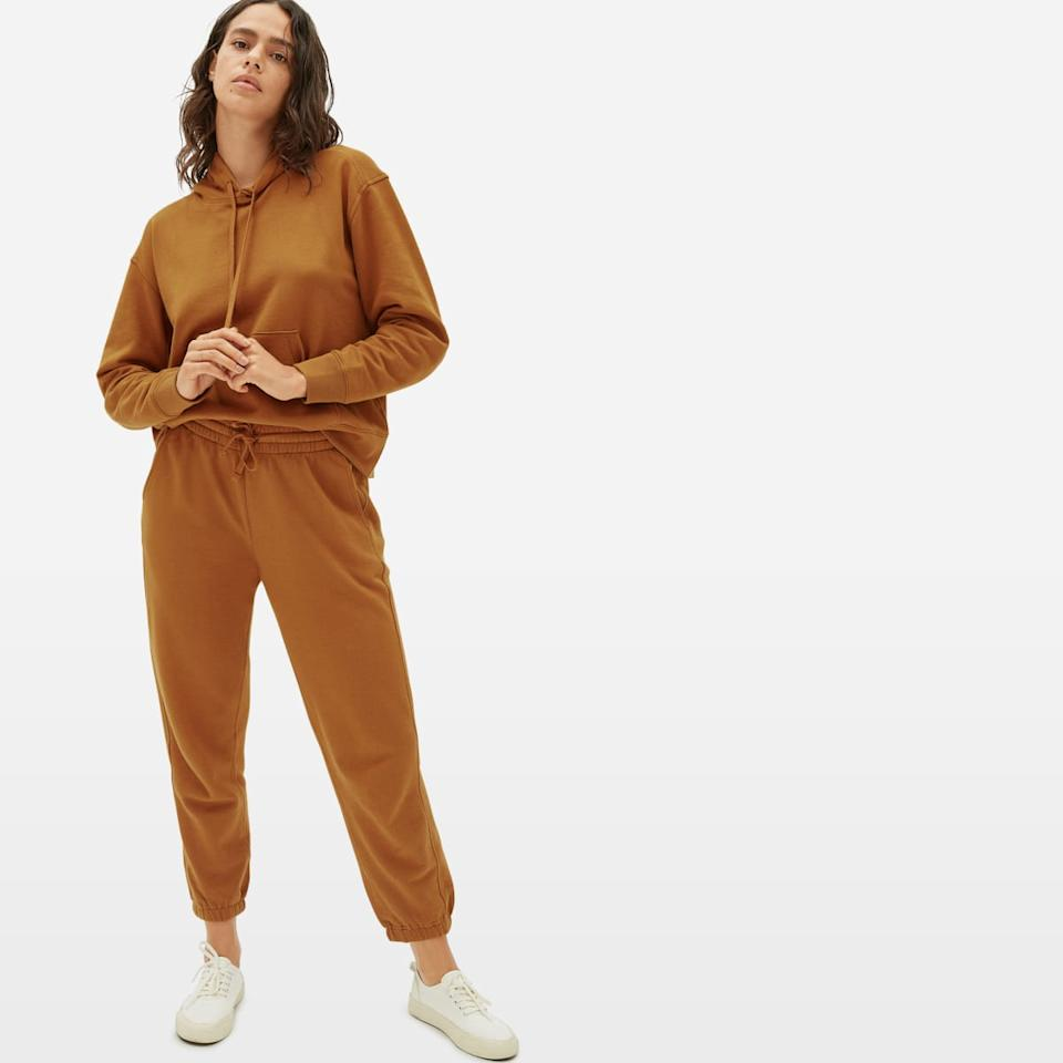 Everlane's Lightweight French Terry Sweatsuit. (Image via Everlane)