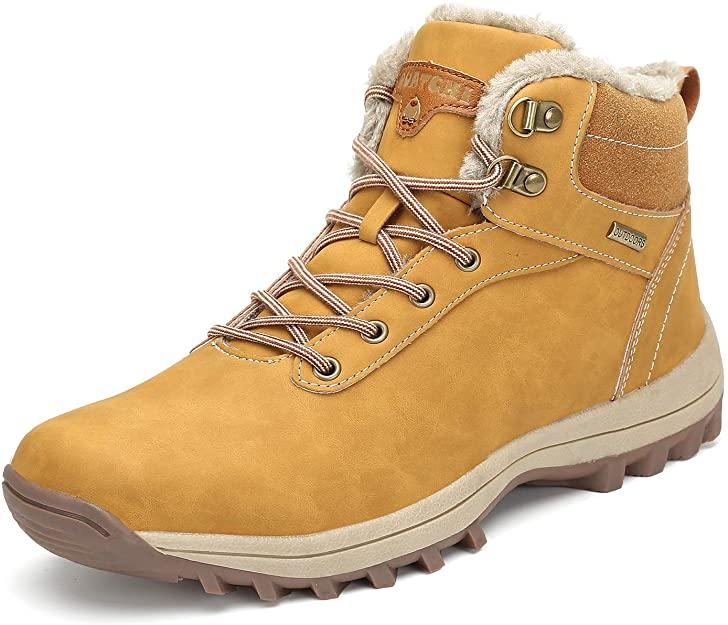 The interior of the Mishansha Men's and Women's Winter Ankle Snow Hiking Boots are covered with thick warm faux fur to keep you warm in cooler temperature. (Image via Amazon)