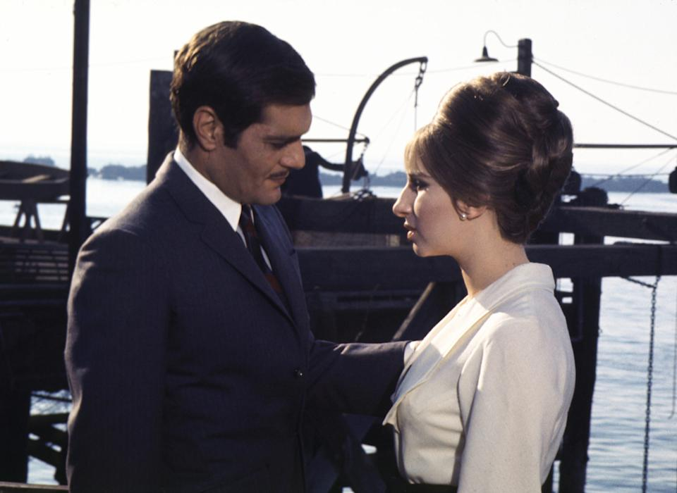 Kino. Funny Girl, (FUNNY GIRL) USA, 1968, Regie: William Wyler, OMAR SHARIF, BARBRA STREISAND. (Photo by FilmPublicityArchive/United Archives via Getty Images)