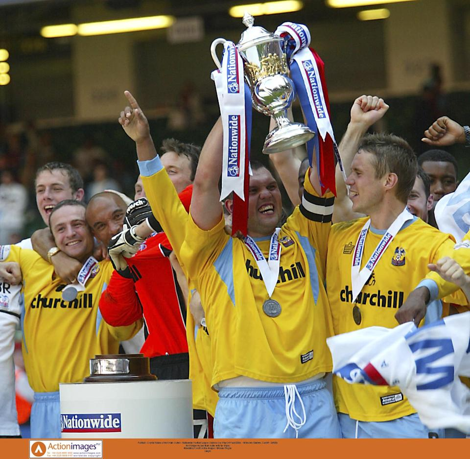 Football - Crystal Palace v West Ham United - Nationwide Football League Division One Play Off Final 03/04  - Millennium Stadium, Cardiff - 29/5/04  Neil Shipperley and team mates with the trophy   Mandatory Credit: Action Images / Michael Regan  Livepic