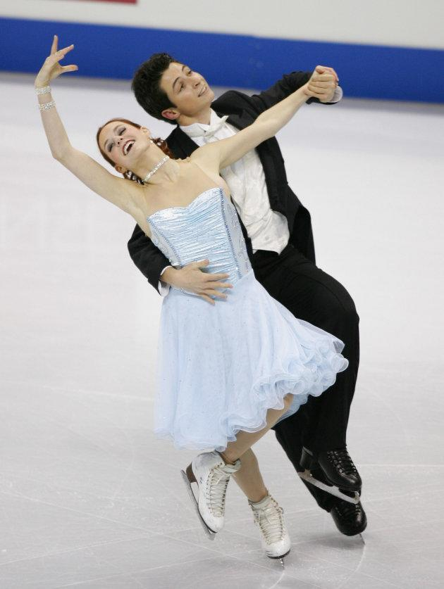 Virtue and Moir perform at Skate Canada on Nov. 2, 2006 in Victoria, B.C.