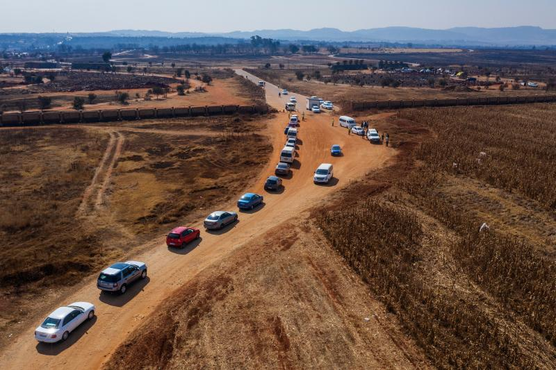 Funeral parlours are full in Soweto, while police were deployed to manage the influx of cars coming into cemeteries. Source: AFP