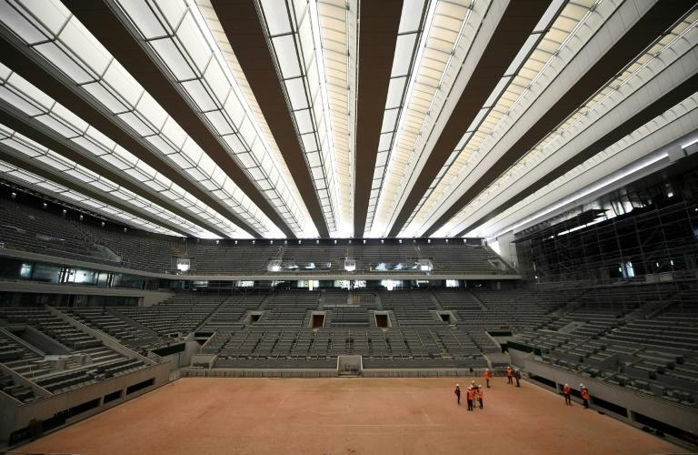 Cover up! The new roof on the Philippe Chatrier court