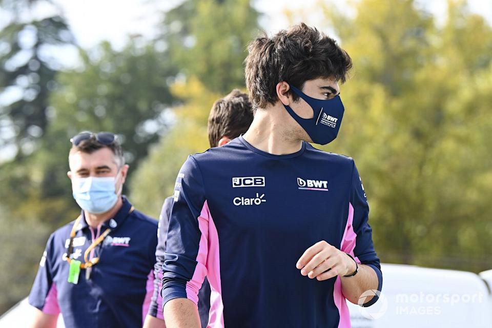 """Lance Stroll, Racing Point, recorre el circuito<span class=""""copyright"""">Mark Sutton / Motorsport Images</span>"""